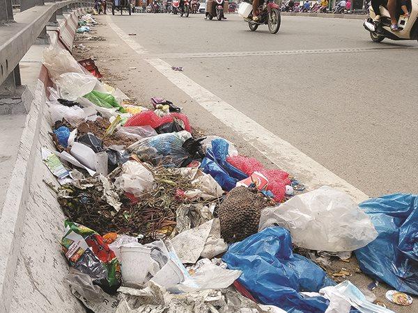 """Cuộc chiến với rác nhựa: Hãy sử dụng hiệu quả """"cây gậy"""" thuế"""
